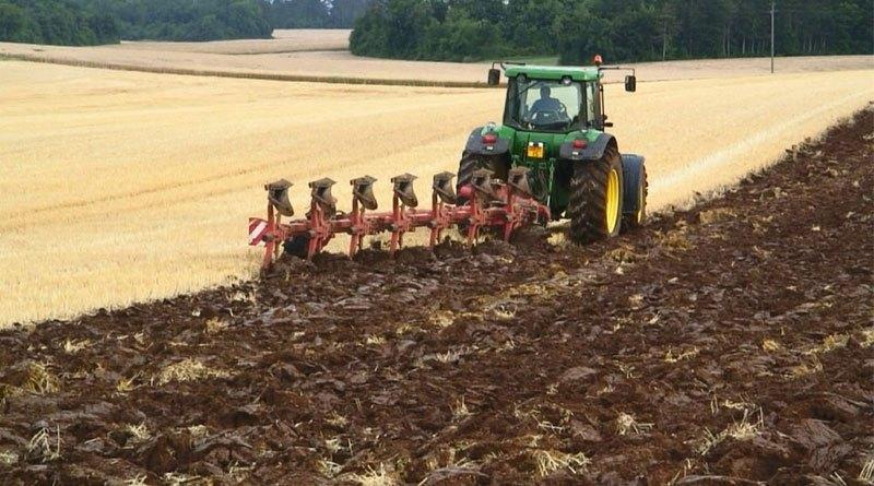 Fermierii pot depune cererile unice de plată începând cu 1 martie